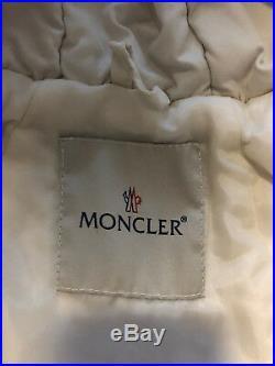 Moncler Winterjacke Baby Gr. 74 in Weiss echtpelz schön Fauschig